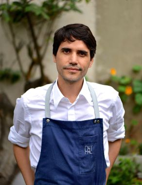 31 Virgilio Martinez